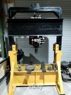 DAKE CORPORATION Hydraulic Press, 150 ton, Air Pump