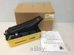 ENERPAC 82C-0AP Turbo II Air Hydraulic Pump, Air Powered PATG1102N 82C-OAP