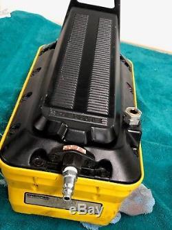 ENERPAC PATG-1102N 2 Liter Turbo II Air Hydraulic Pump with 3 Way Treadle