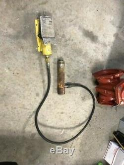 Enerpac PA130 0H2 Air Driven Hydraulic Foot Pump & 10 Ton Hydraulic Cylinder
