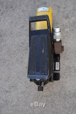 Enerpac PA136 Air Hydraulic Pump 3-Way/2-Position Valve 3000 PSI SERVICE READY