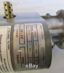 Graco Falcon model 244-047 Pneumatic Air Oil Pump in excellent condition