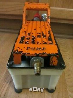 Holmatro AHS 1400 FS Compact 720bar Hydraulic Air Foot Pump with Hoses, Regulator