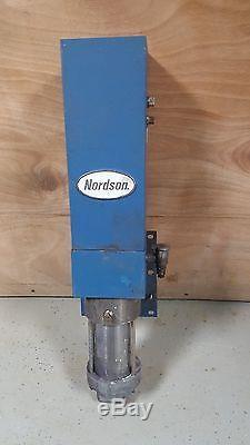 Nordson 25B Air operated Hydraulic Spray Pump Ratio 21 247536F