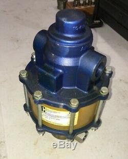 SC Hydraulics Air Driven Liquid Pump 10-500 Series 10-5000W100L 1951 Working